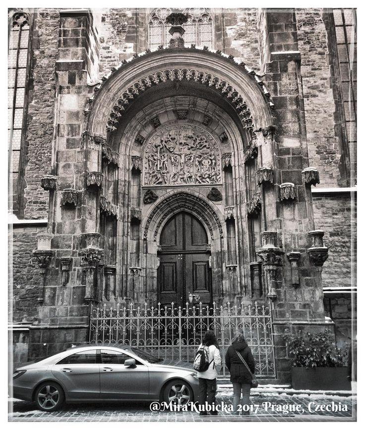 #praha #prague #prag #praga #church #oldtown #statue #sculpture #door #history #heritage #saint #santa #portaseportoes #czech #czechia #czechrepublic #cesko #česko #ceskarepublika #myphoto #photographer #photography #photos #photo #2017 #travel
