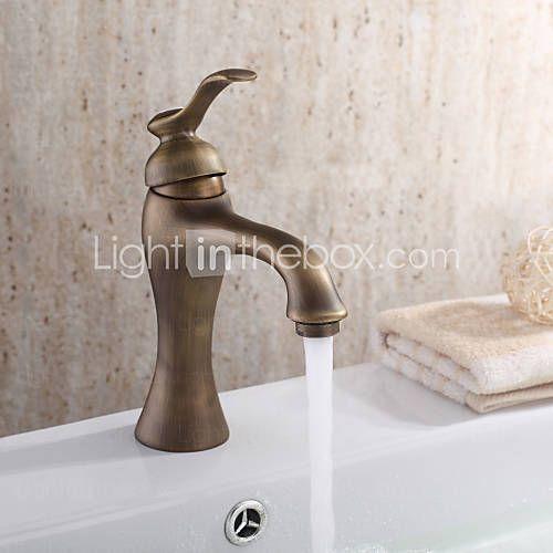 grifo del fregadero cuarto de baño con acabado de latón antiguo diseño antiguo grifo - USD $ 72.67