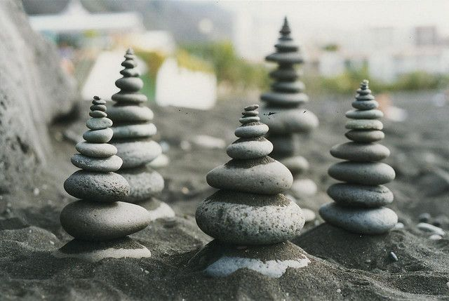 Mini-cairns@Lenny&Meriel;'s photostream