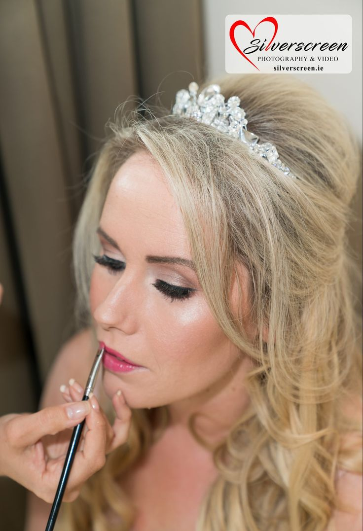 Hiring a professional makeup artist for your wedding day