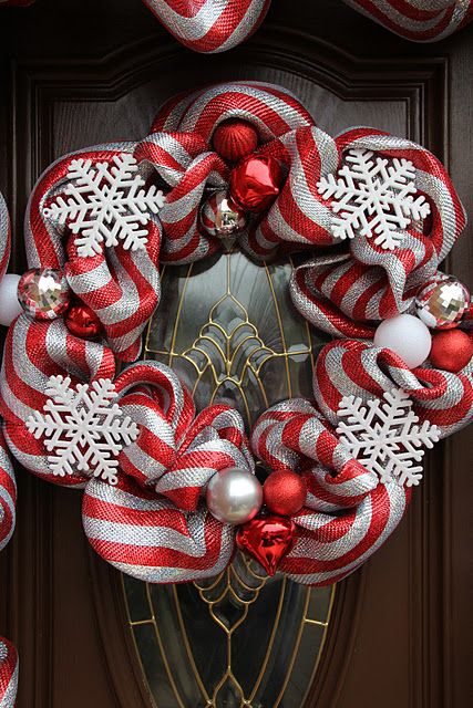 Deco Mesh Christmas Wreath.i really like this, just need silver & teal....oh yeah!!