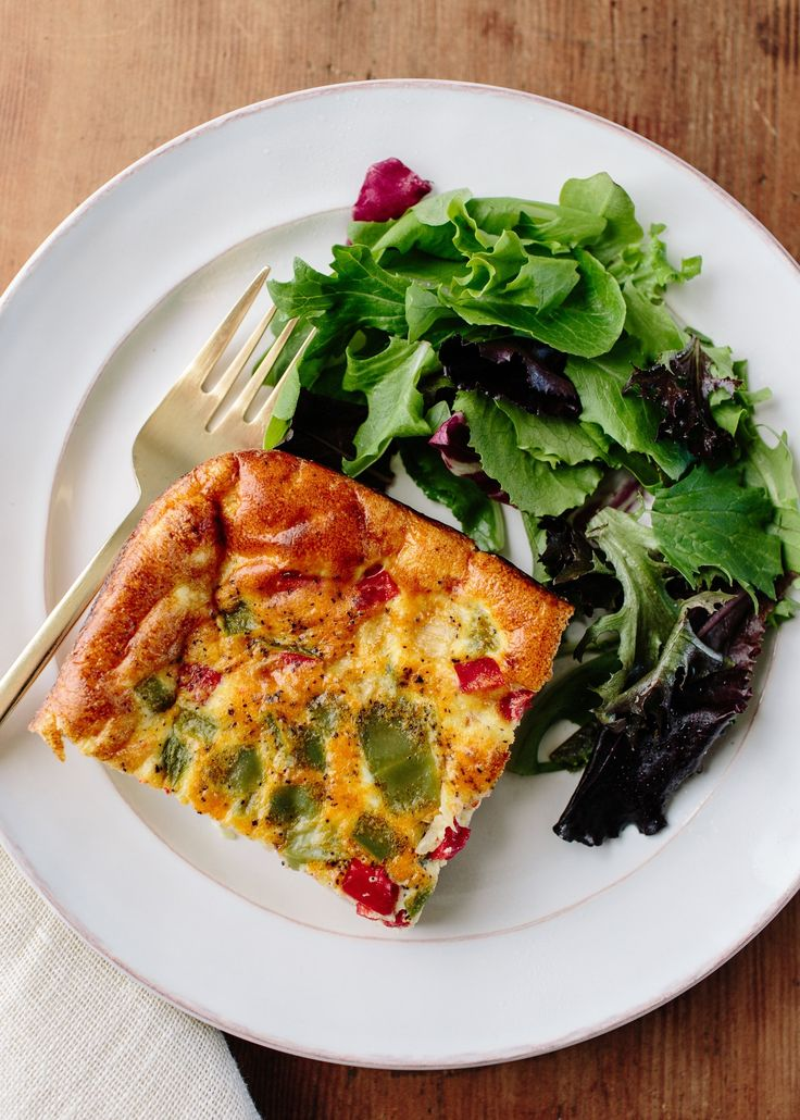 The healthier answer to muffins and quick-breads in the make-ahead breakfast game is very simple: the oven omelet. An oven omelet is simply a quick bake of eggs with whatever add-ins you like. Here's one of my favorites: a baked twist on the classic Denver, or Western, omelet.