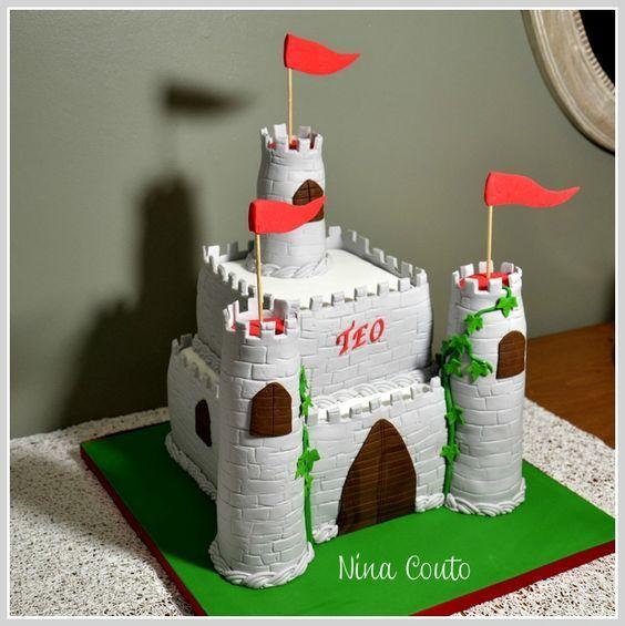 Gâteau château medieval pour mon Téo: