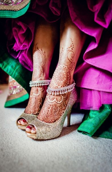 http://www.indianweddingsite.com/indian-wedding-photo-gallery/photo/5804-listing-gallery-south-asian-wedding-centre