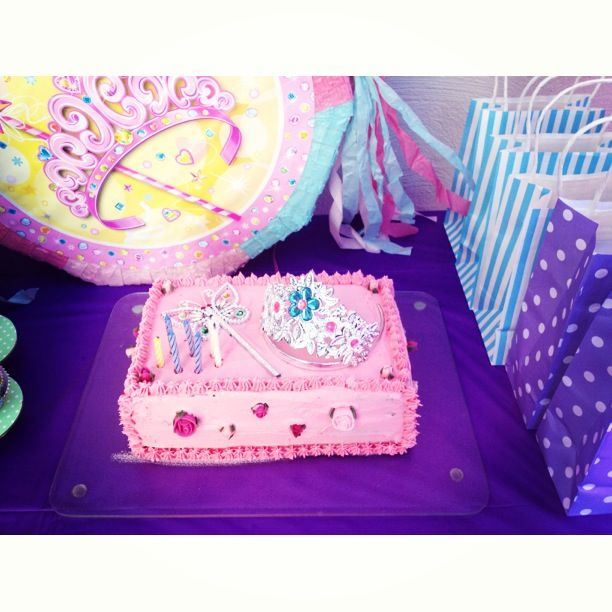 Elegant And Simple Princess Birthday Party Cake 17 Best Ideas About Easy On Pinterest