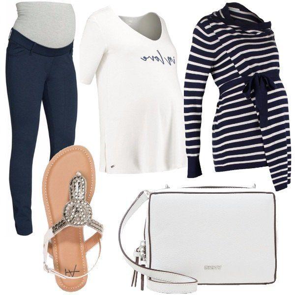 Outfit+composto+da+pantaloni+in+jersey,+t-shirt+bianca+con+stampa,+cardigan+a+fantasia+rigata,+sandali+infradito+in+ecopelle+e+borsa+a+tracolla+in+pelle.