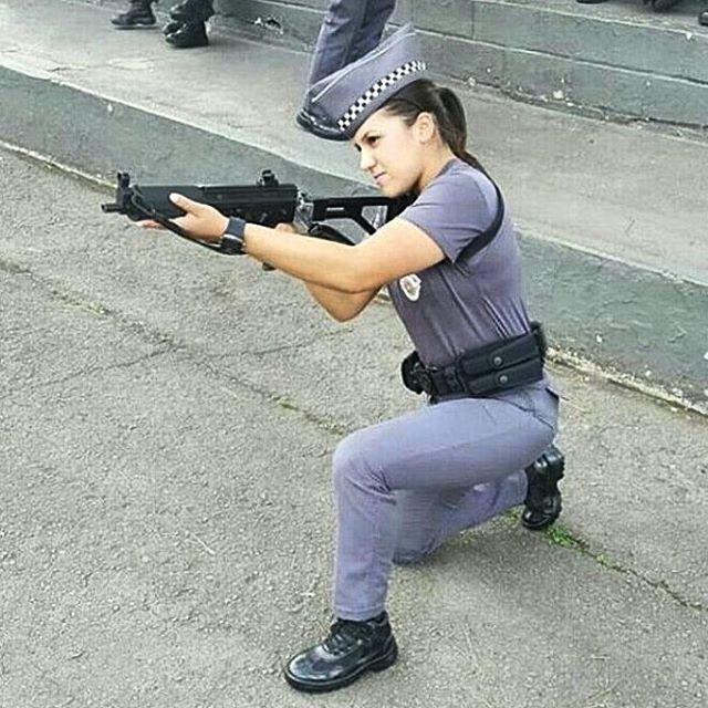 Quanto mais você sua no treinamento, menos sangra no campo de batalha. - Polícia Feminina PMESP  - The more you sweat in training, the less you bleed on the battlefield. - Police Women PMESP  #brasil #usa #force #força #honra #fé #like4like#likeforlike #tagsforlikes #determination #blessed#militar #guerra #war #good #follow4follow#policiamilitar #militaresdomundo #respect #polizei#bope #goodnight #boanoite #caveira #gta#goodmorning #sniper #bomdia #military #good #female