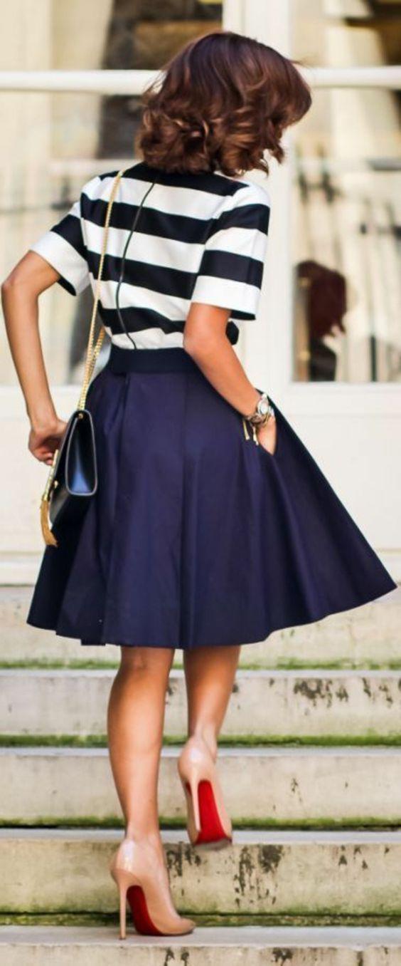 jupe corolle, jupe bleue marine, coupe évasée: