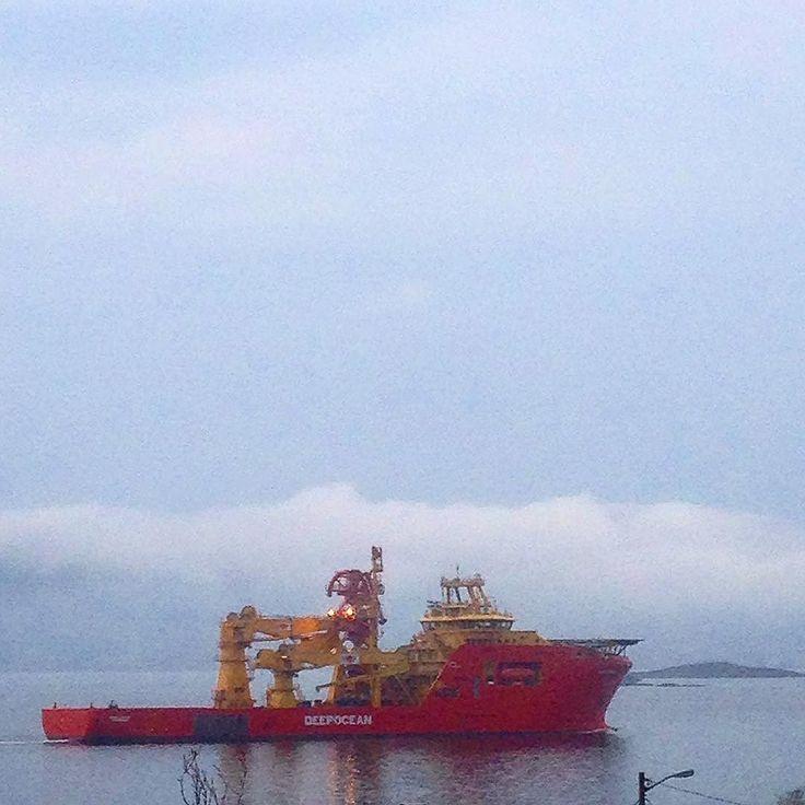 Edda Freya  #deep ocean#båt#boat#ship#supplyboat#offshore#offshorelife#sjøliv#sea#bythesea#ulsteinfjorden#norway #dagens_bilde #instaweather by strikkebjorg