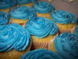 Blue Hawaiian cupcakes great for a summer party, when you can be at the beach