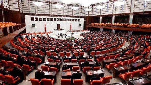 Son dakika haberi: Anayasa teklifinin 1. ve 2. maddeleri kabul edildi