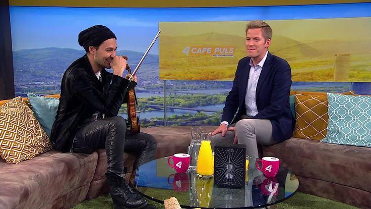 Er spricht mit uns nicht nur über seine Musik, sondern auch über seine Leidenschaft für Game of Thrones!