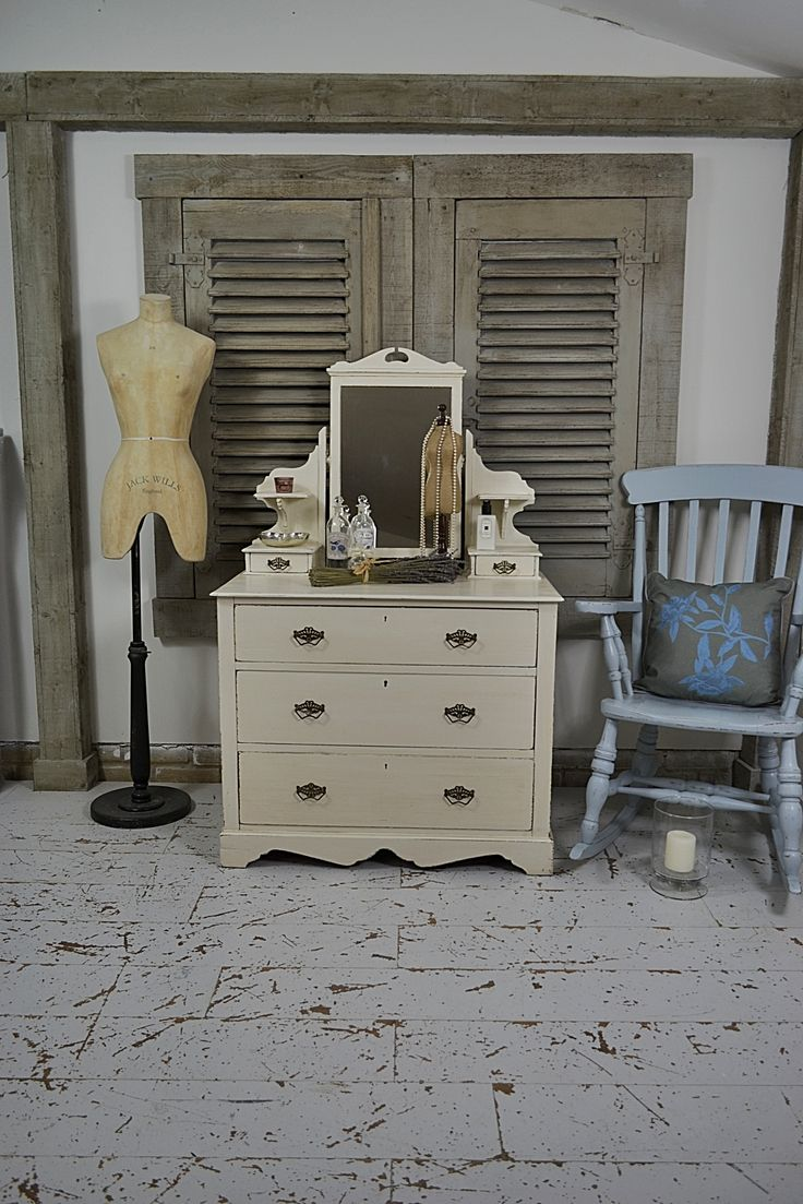 Victorian dressing table - We Adore This Victorian Dressing Table With It S Fabulous Looks And Handy Drawer Storage