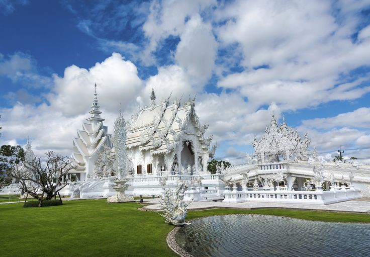 It's not every day you enter a house of worship and see murals of Michael Jackson, Superman and nuclear warfare. At Thailand's Wat Rong Khun, you'll see these unusual temple artworks. In 1997, Chalermchai Kositpipat started work on Wat Rong Khun, a temple in Chiang Rai, Thailand.