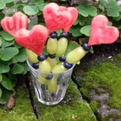 Lustige Obstspieße, Kindergeburtstag, Herzen, Feengeburtstag, Mädchen Geburtstag, Party Ideen, Fruchtspieße http://de.allrecipes.com/rezept/17037/obstspie-e-f-r-den-kindergeburtstag.aspx