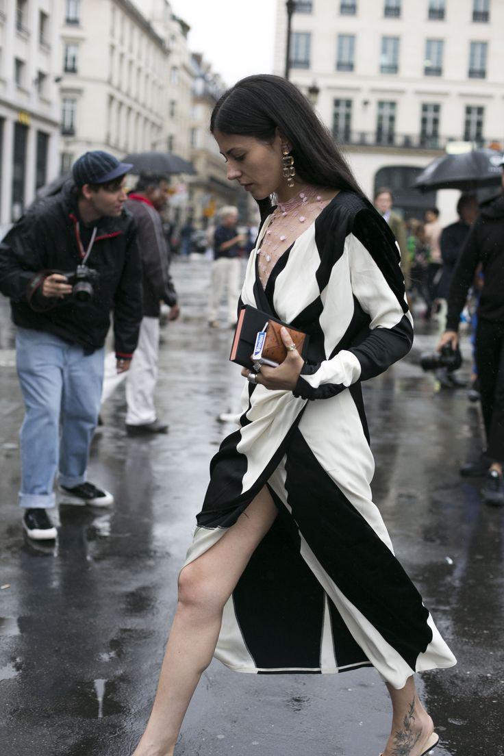 Street style: o melhor do primeiro dia de alta-costura - Vogue | News
