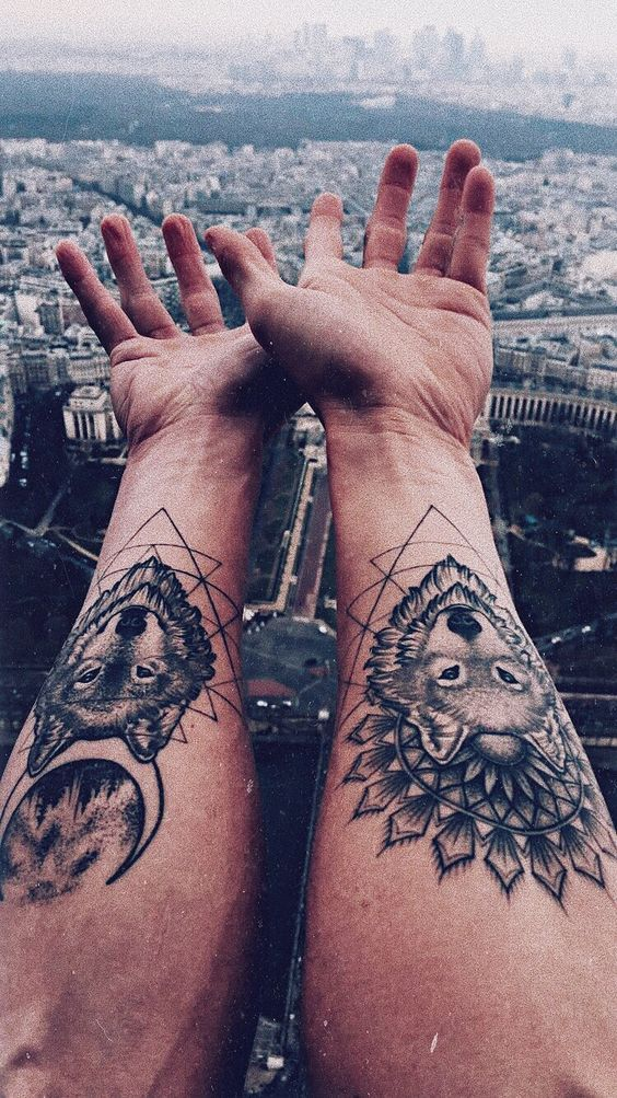 Magazine - Tatouage de loup : 8 inspirations - Allotattoo