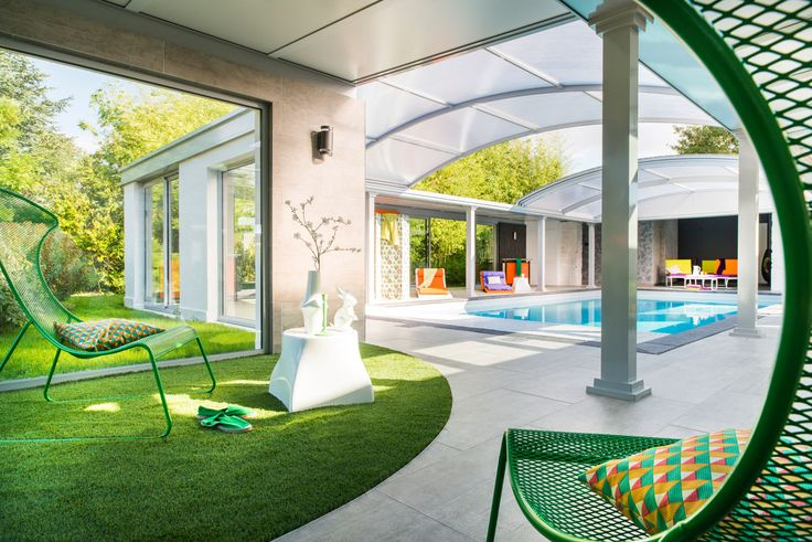 #Abri piscine dôme #UP pour profiter de votre #piscine avec vue sur le #jardin