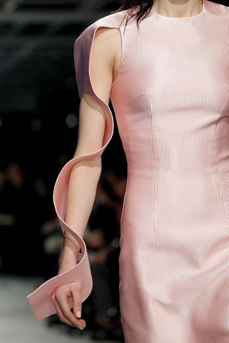 Sculpted Wave Sleeves - 3D sculptural fashion design details; innovative fashion structures // Christopher Kane