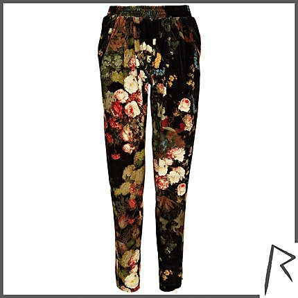 #RIHpintowin #RihannaforRiverIsland Black Rihanna floral velvet joggers. #RIHpintowin click here for more details >  http://www.pinterest.com/pin/115334440431063974/