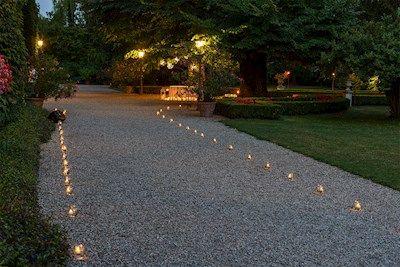 Idee giardino: come decorare un vialetto con le luci | Luminal Park