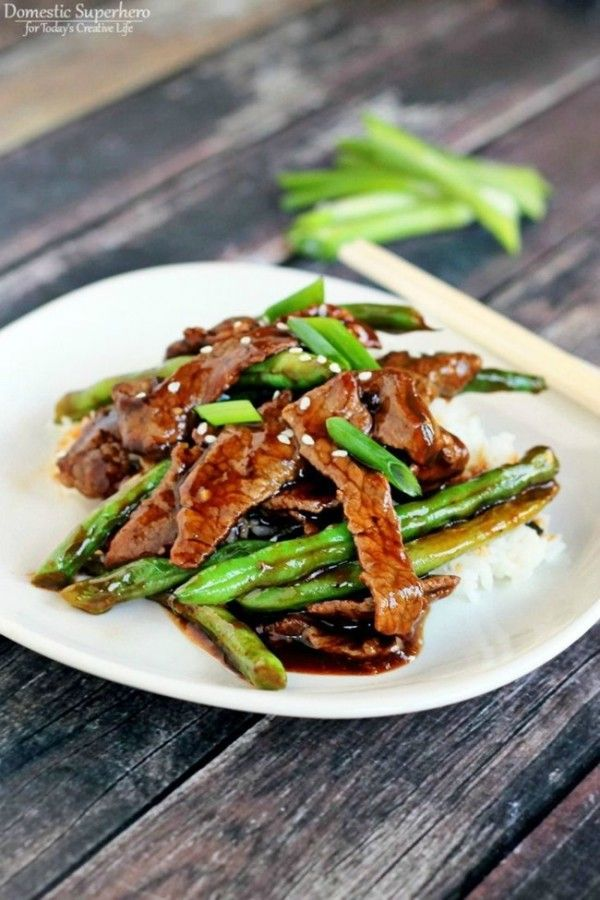 Chinese Beef Sperziebonen Stir Fry |  Deze snelle en eenvoudige Aziatische rundvlees en groene bonen roerbak gerecht is gezond en lekker.  Het zal een snel een favoriet te worden!  Zie recept op TodaysCreativeLife.com