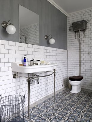 Traditional Victorian style tiles in a wetroom. www.ceramictilewarehouse.co.uk                                                                                                                                                      Más