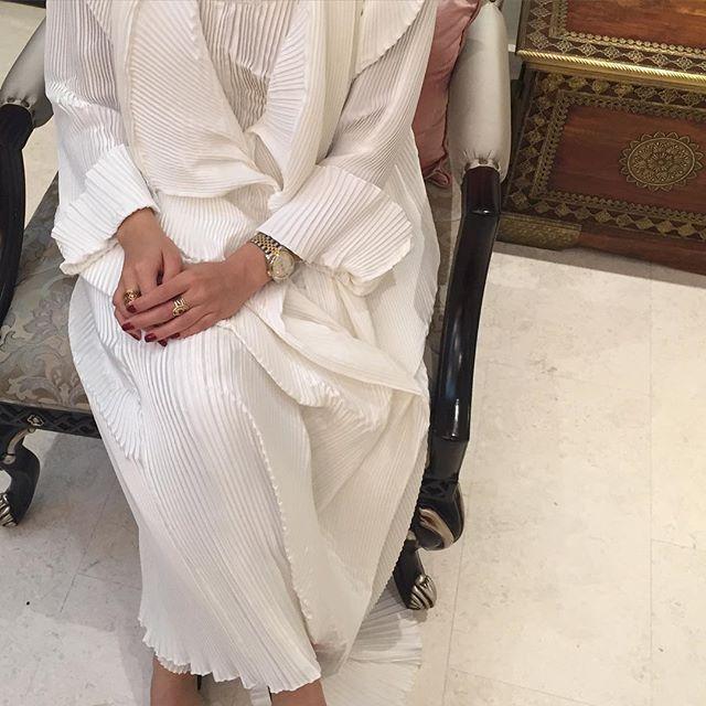 All white | Abaya #modestfashion