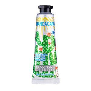 Este creme de mãos de rápida absorção deixa a pele hidratada e perfumada com um toque floral aveludado. Contém e