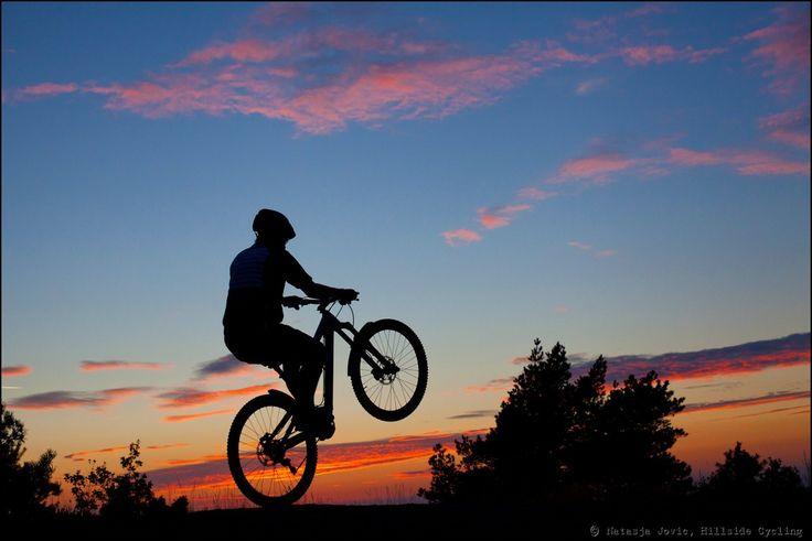 descriptive essay mountain biking Observation essays, descriptive essays - mountain biking.