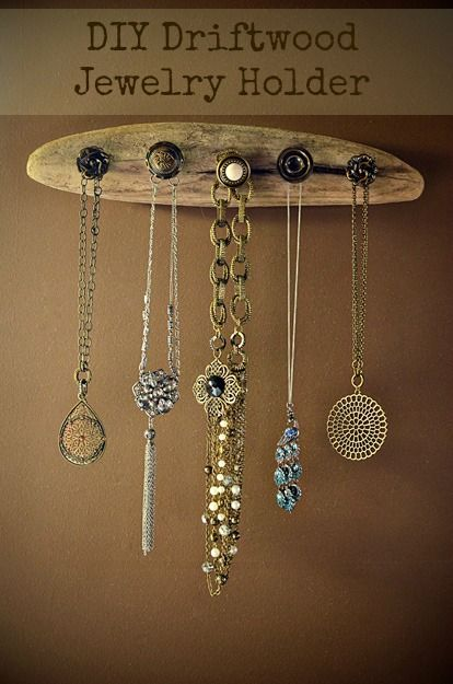 DIY Driftwood Jewelry Holder. Nice idea even with used cabinet or drawer knobs!