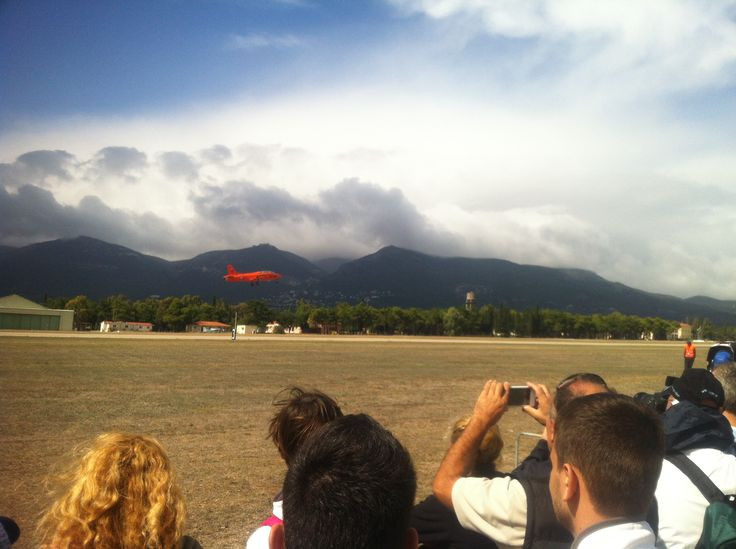 R. Catellani has just took off with his Aermacchi MB-326 from runway 03 of Tatoi AB for his air show!