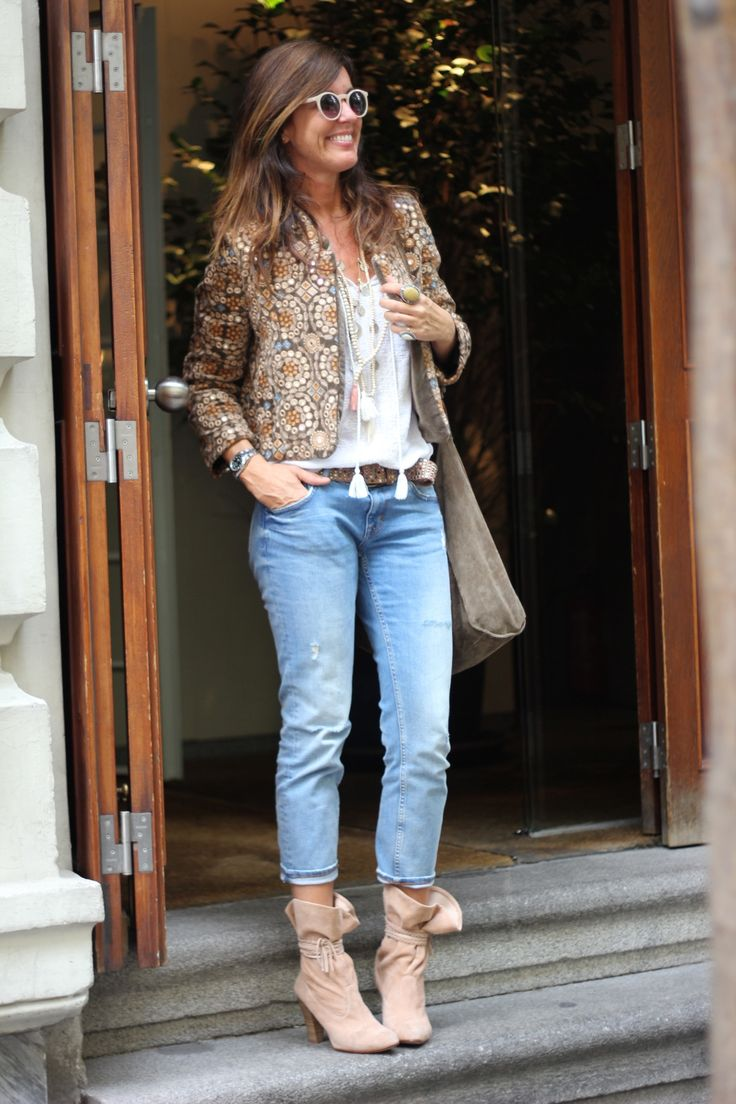 Street style. Jean and boho jacket.