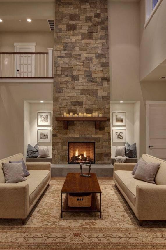 Moderna chimenea revestida con piedra artificial. Puedes consultar nuestro catálogo en www.thermostone.es