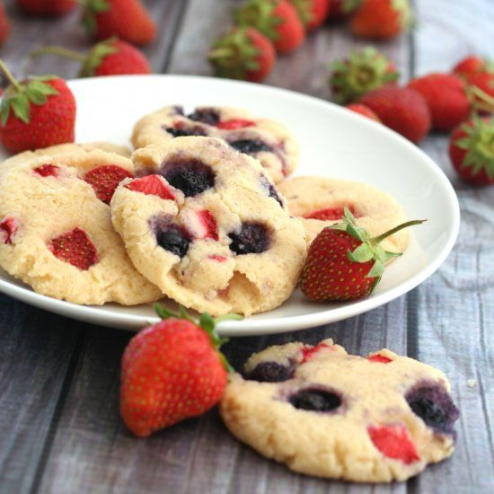 Patriotic Cheesecake Cookies - whether you celebrate the 4th or Canada Day, these tender cookies are an easy healthy treat.