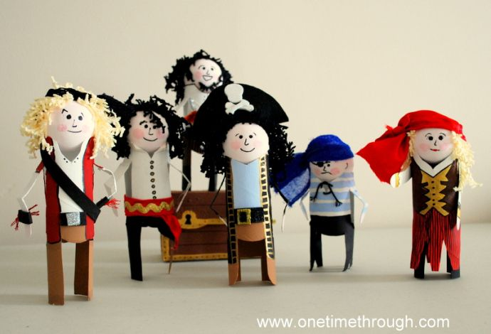 Pirates made from toilet paper rolls