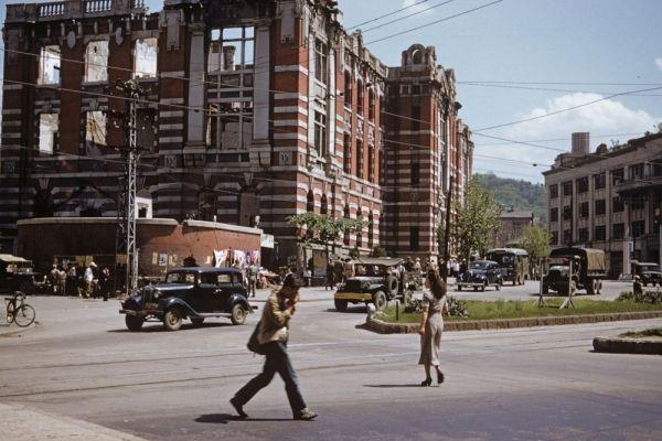 韓国人「1953年のソウル市内を写した貴重なカラー写真」→「日本式の建物に英語の看板…エキゾチックな街並み」
