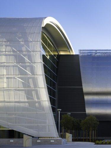 Norman Y. Mineta San Jose International Airport Terminal B / Fentress Architects   ArchDaily