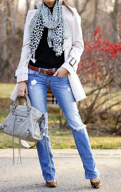 Love the distressed jeans, scarf and trench! Perfect fall outfit!