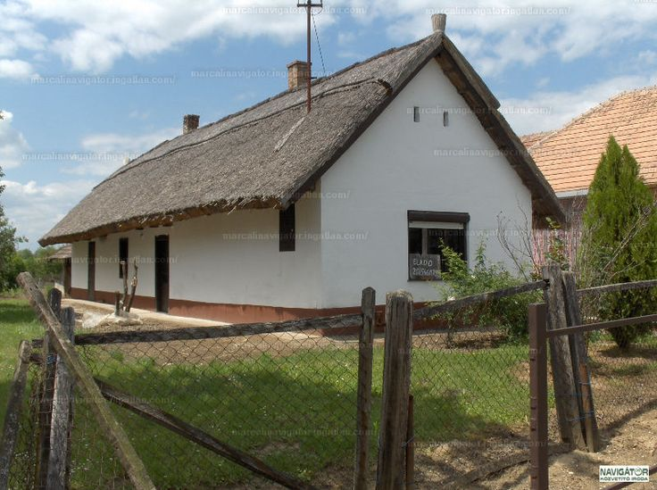 Somogyszentpál faluban (10km-re Marcalitól), csendes, nyugodt környezetben eladó ez a 70 m2-es parasztház. Az épület részben felújított. Igazi...