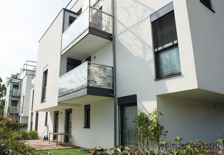 Eine Wohnhausanlage mit Stil! Die Kunststoff-Alufenster verleihen dem Gebäude den gewissen Charme.