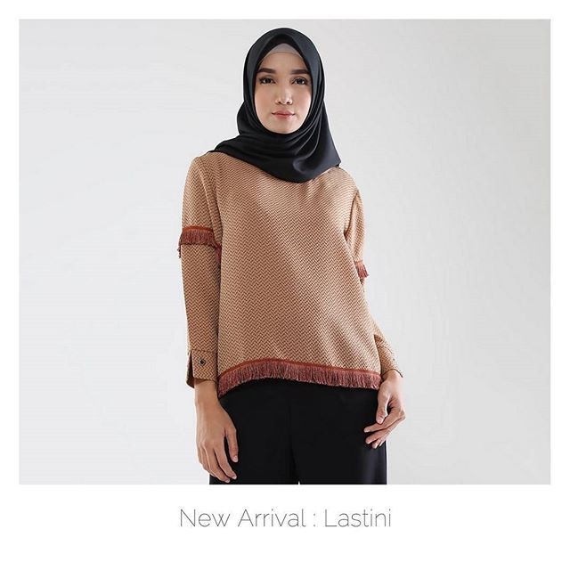 Lastini now available at @hijup . You can also wear this as top . Visit www.hijup.com or www.eclemix.com . Or reach our admin contact : line@ : @eclemix wa : 081326004010 . Happy shopping  . #eclemix #hijup #myhijup #fashion #hijab #beauty #localbrand #bandung #ootd #top #outwear