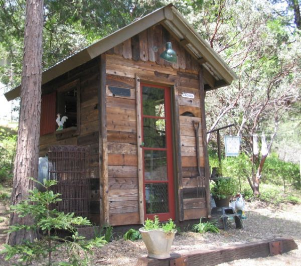 shed built from recycled wood