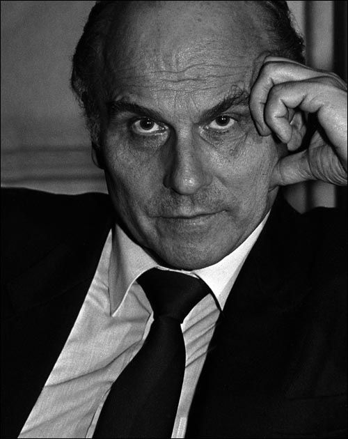Ryszard Kapuściński (1932-2007),  Polish reporter, journalist, traveller, photographer, poet and writer whose dispatches in book form brought him a global reputation.