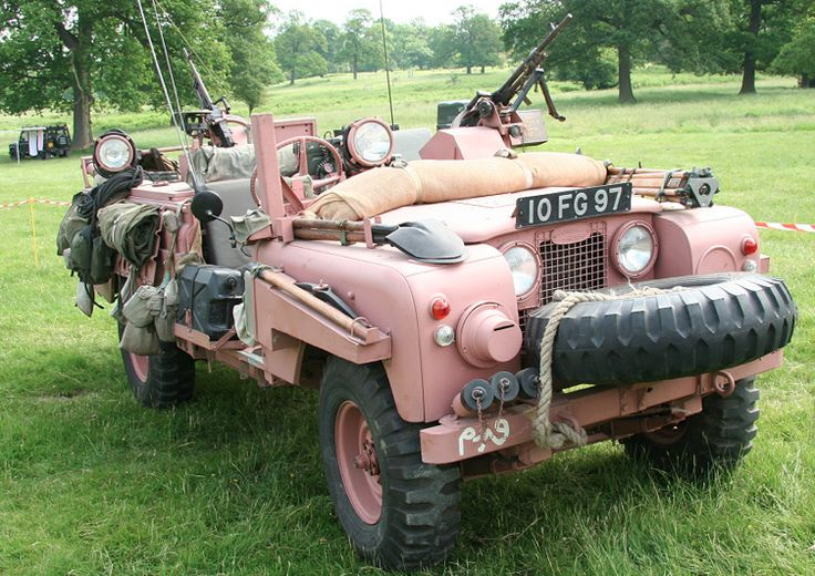 "swissstash:  SAS Land Rover Series IIA ""Pink Panther""  This is fucking awesome!"