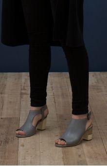 Shop Elk | Women's Shoes | Women's Boots | Sandals | Clogs | Elk