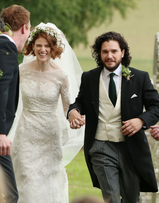Kit Harington Wedding.Rose Leslie And Kit Harington S Wedding Celebrities British
