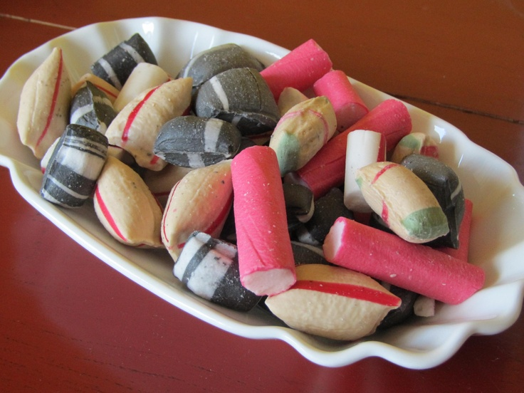 oud Hollands snoepkersenstokjes; light kaneelkussentjes & kaneelhompen dropkussentjes & drophompen pepermuntstokjes