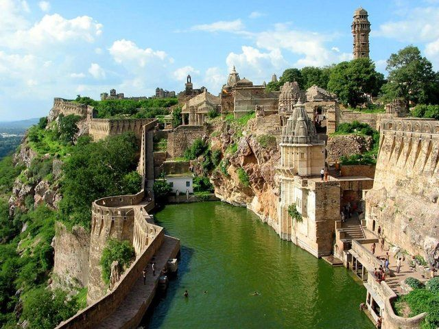 India: Rajasthan India, Chittorgarh Forts, Buckets Lists, Favorite Places, Beautifulplaces, Beautiful Places, Castles, Amazing Places, Benteng Chittorgarh
