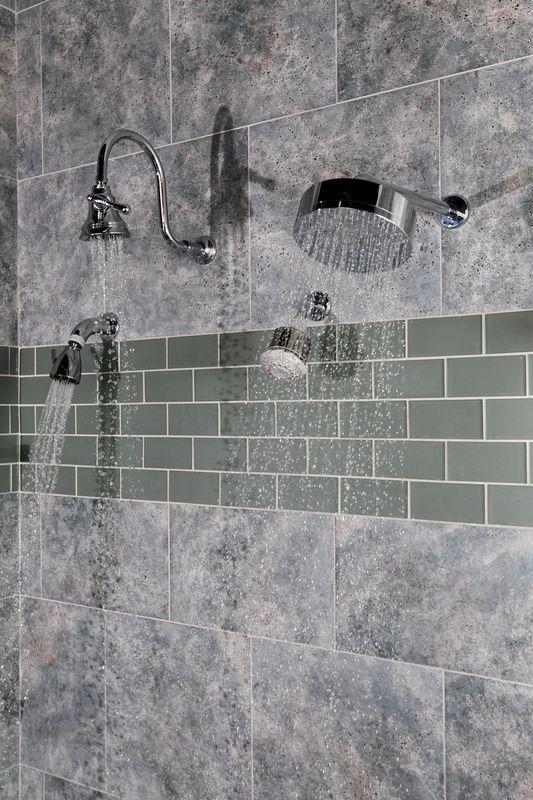 Working Shower Display
